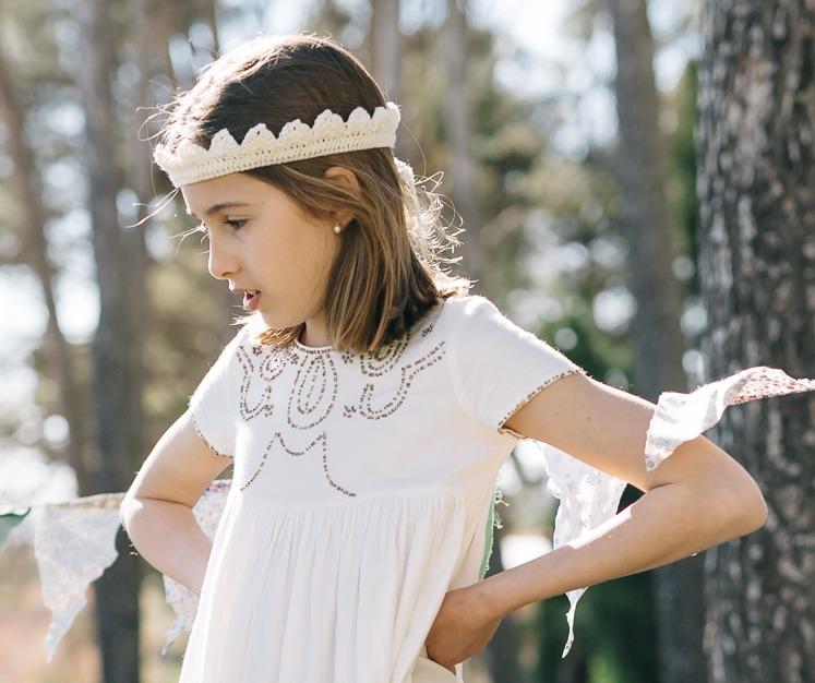 ¿Queréis tejer una corona para una princesa del siglo XXI? Os dejo el patrón