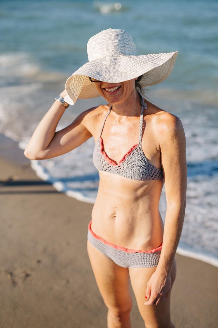 ¿Que os parece si aprovechamos estos días para hacernos un bikini de crochet? Os dejo el patrón del que me hice yo